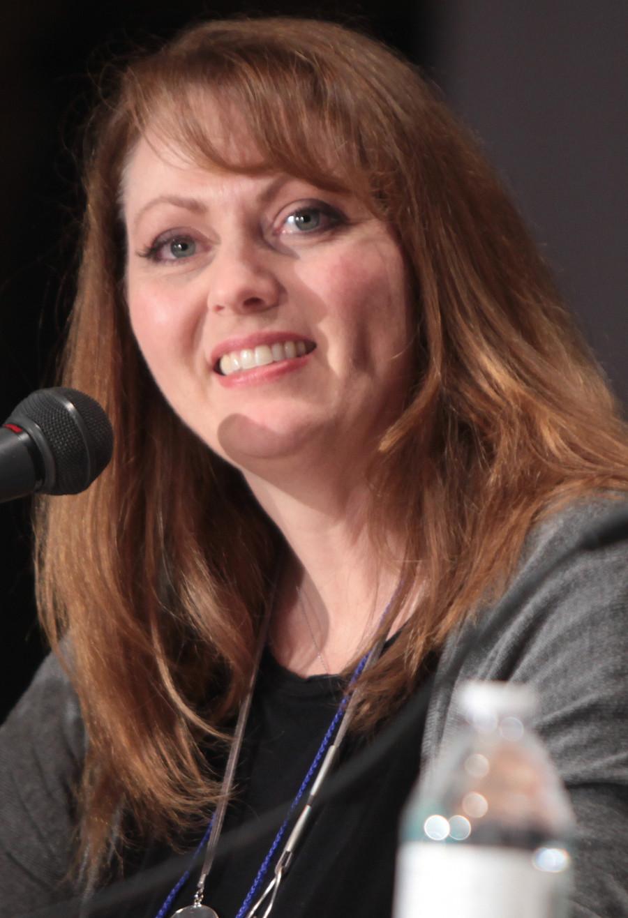 Valerie Arem